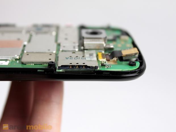 图为MOTO G的mirco SIM卡卡槽。