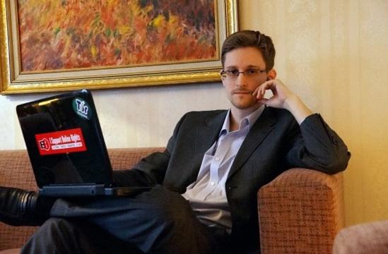 """当地时间2013年12月24日,《华盛顿邮报》披露了该报对美国国家安全局前雇员爱德华・斯诺登的专访。斯诺登表示,在揭露""""棱镜""""项目后,他的任务已经完成,并取得胜利。"""