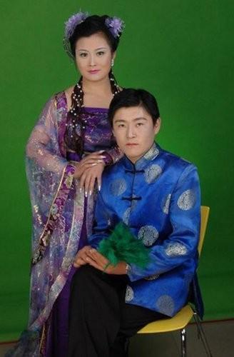 IT大佬背后的女人:腾讯马化腾与妻子通过QQ相识(组图)