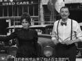 《周六夜现场片花》S39E01 疯女人阴森兜售二手车
