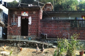 广西兴业县大平山镇南村,受侵害女童小雨(化名)的家。图/记者刘洁
