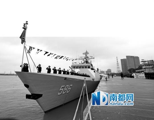 中国海军一年来至少17艘军舰入列