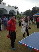 图文:总决赛国乒队员出席活动 马龙搭档美女