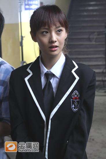 郑爽,校园系清纯美女。因为一部《一起来看流星园》而大红大紫。