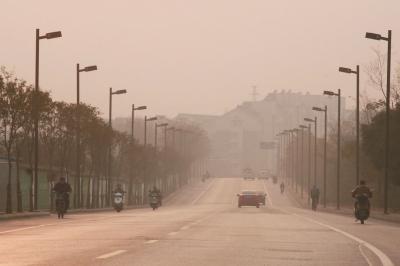 扬州治理雾霾,2014年—2016年将是关键节点。资料图片