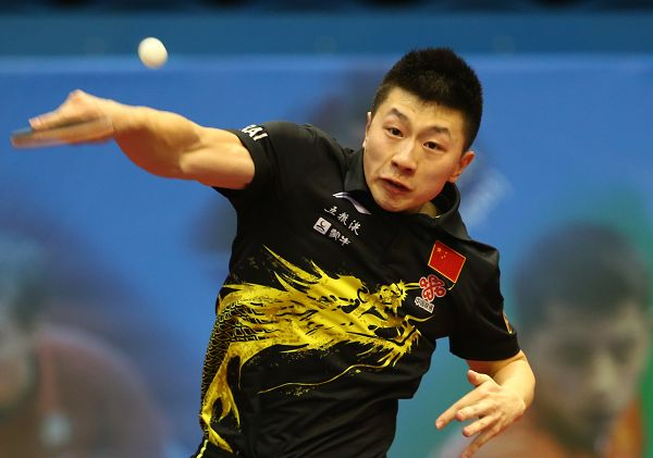 图文:2013乒联总决赛落幕 马龙在比赛中