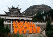 """最""""潮""""法师 与时代同步的中国寺庙"""