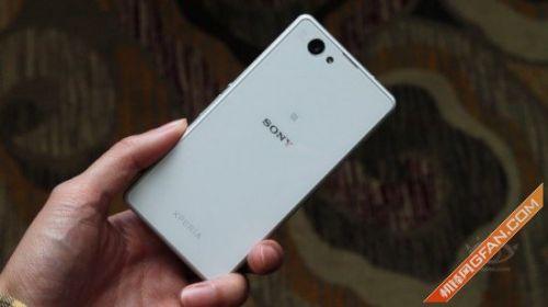 索尼Xperia Z1 Compact亮相 或2月发布(组图)