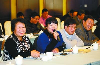 昨天,在政协南京市第十三届二次会议专题议政会上,委员们积极发言。 记者 吴彬 冯芃摄