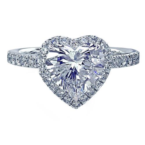 心形钻石戒指   大颗粒密镶钻的心形钻石戒指,绝对是求婚钻...