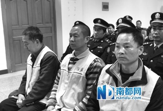 云南昭通巧家县人民法院庭审现场。新华社发
