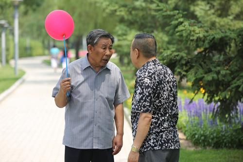 李文启向潘长江请教约会诀窍