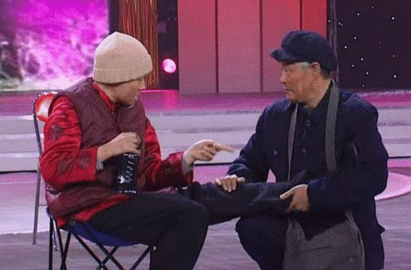 出席深圳卫视美丽的契约发布会的宋丹丹