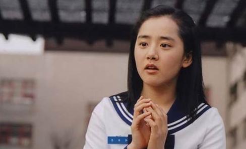 韩国的国民妹妹文根英,学生模样青春可爱,怪不得韩国人都喜欢她。
