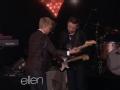 《艾伦秀第11季片花》S11E83 吉他神童再登台 获赠签名吉他