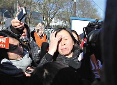 2013年11月27日,李某某案二审宣判维持原判。李某某涉嫌强奸案二审宣判,驳回上诉人上诉理由,维持一审原判。嫌疑人王某律师周翠丽被逐出法庭。图/CFP