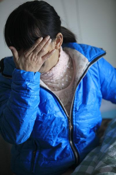 母亲对此当面追问,其男友否认,随后离开,再无踪影。