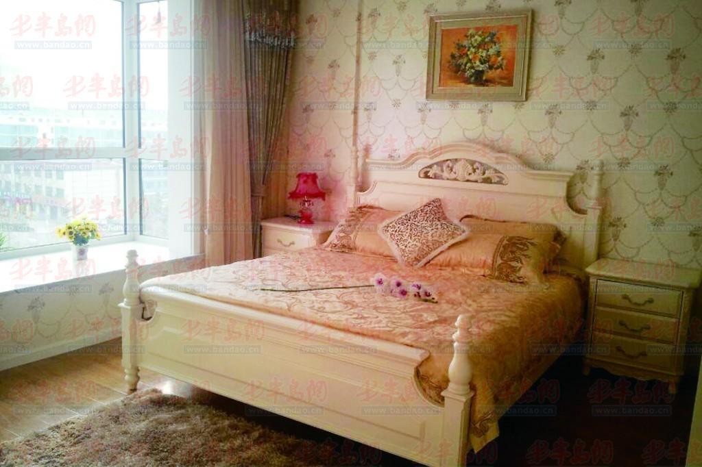 样板间内外两间卧室均位于南侧,大气别致的床头软包让卧室显得高贵.图片