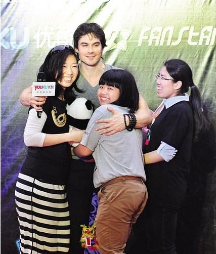 粉丝堂的出现,使得《吸血鬼日记》的主演伊恩与粉丝的互动大大加强