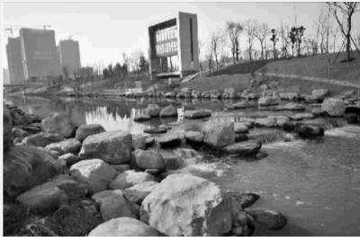 1月24日,长沙市雨花区圭塘河生态景观公园一期正式开园纳...
