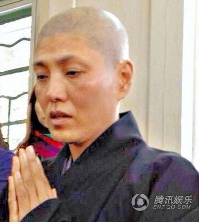 香港三级片女星胸模剃度出家 明星婚恋