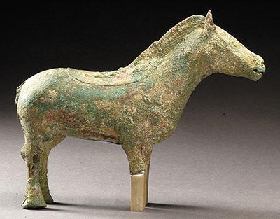 陕西甘泉出土商青铜马。