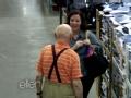 """《艾伦秀第11季片花》S11E89 超市同性""""告白""""引围观"""