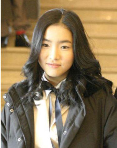 韩国公认10大零整容美女 小时候家居照成判断参照