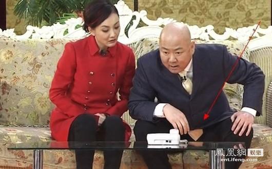 网友吐槽:国外嫂子左,国内嫂子右图片