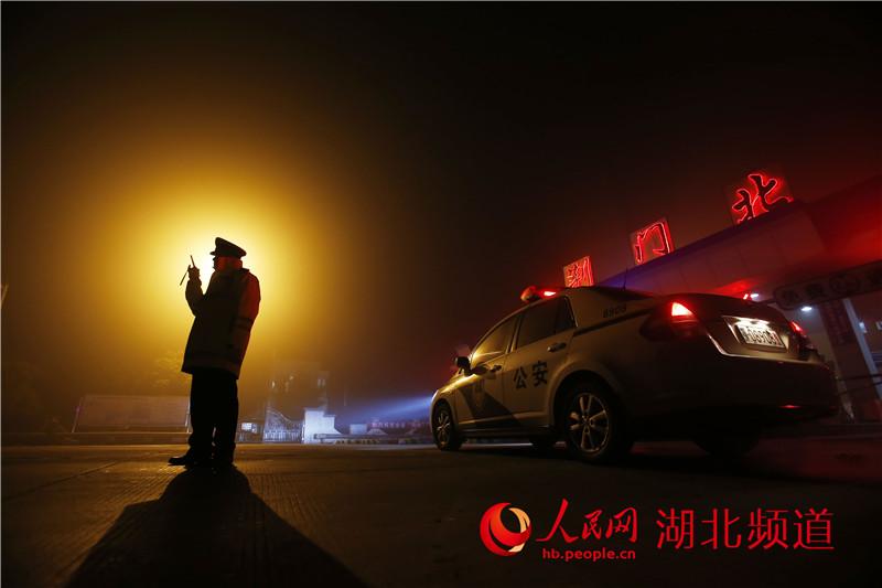 【告白警察】湖北组图高清的春节:v告白劝说写表情高速包气球图片