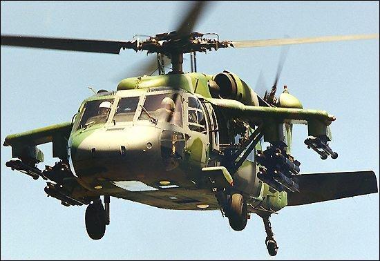 """资料图:美国UH-60""""黑鹰""""通用直升机。"""