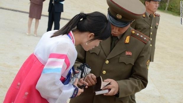 罕见照片揭秘朝鲜人的真实生活-搜狐