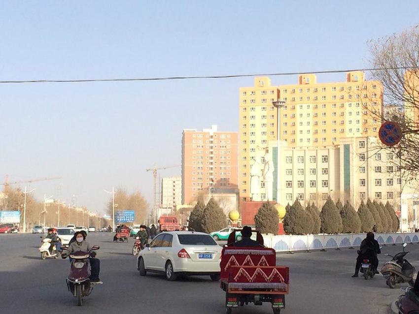 新疆和田地区发生7.3级地震 武警官兵紧急驰援(组图)