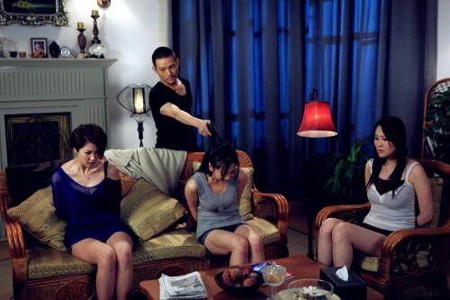 美女新闻搜狐v美女讯由tvb导演的资深电影邓特希执导的两性话题电电竞大戏图片