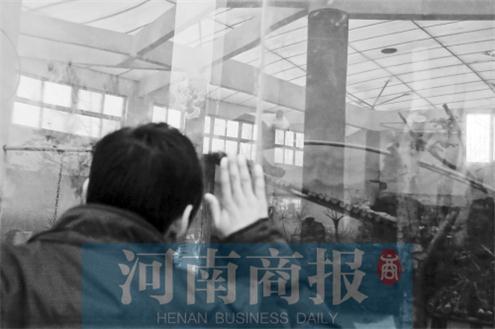 郑州动物园大熊猫病亡 游客:死前熊猫馆超难闻