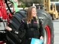《艾伦秀第11季片花》S11E102 16岁巨轮卡车女司机秀车技