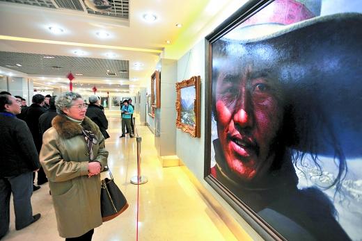 《中国梦》油画展昨开幕