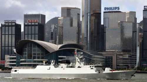 ywpt :中国海军056护卫舰在香港。.jpg