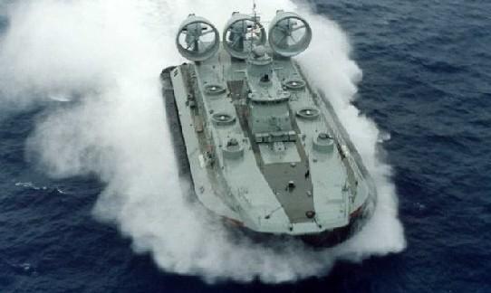 10、野牛级气垫登陆艇