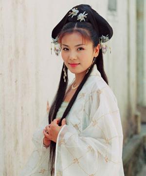 NO12.白素贞—刘涛 出自:新白娘子传奇。感觉刘涛的古颜不错,一身白衣也是吸引了目光,除了赵雅芝经典版的以外,她这一版也是不错的 她美貌绝世,明眸皓齿,倾国倾城赛天仙。