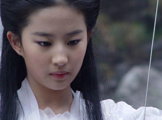 杨幂佟丽娅高圆圆 女星惊艳古装你会为谁留步