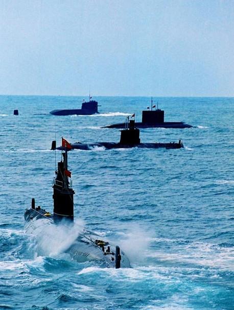 资料图:中国潜艇部队集结。
