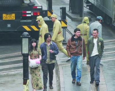 陈柏霖(左)冯绍峰(右)