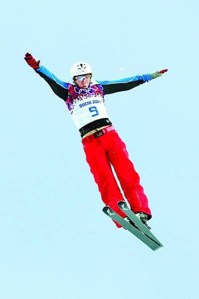 2月18日,在索契冬奥会自由式滑雪男子空中技巧决赛中,中国选手贾宗洋摘得铜牌。