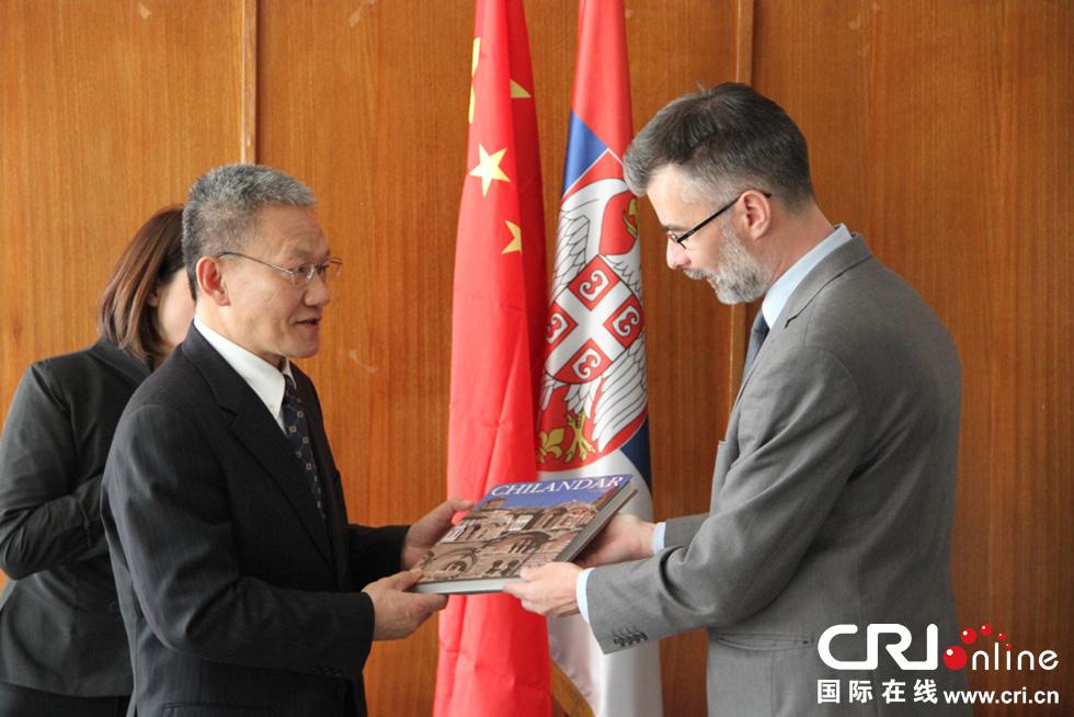 中国国家新闻出版广电总局副局长邬书林