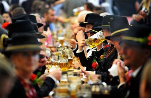 热情冲散寒冷 盘点全球三月盛大节日派对