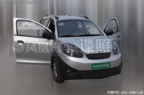 瑞麒X1增程式车型谍照-奇瑞新能源车谍照曝光 采用按键式换挡方式