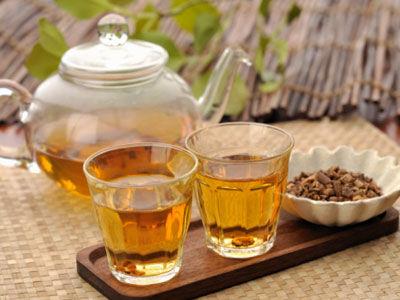 7、营养不良忌饮茶