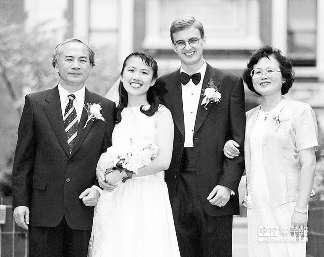 主席前妻-3主席前妻郑晓玲简历 主席前妻郑晓玲近况 ...