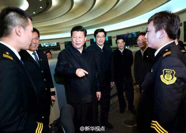 """总书记连问北京交通发展 探讨解决""""城市病""""对策"""